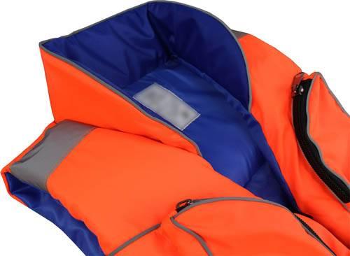 Большой выбор спасательных и страховочных жилетов различных моделей и производителей фото